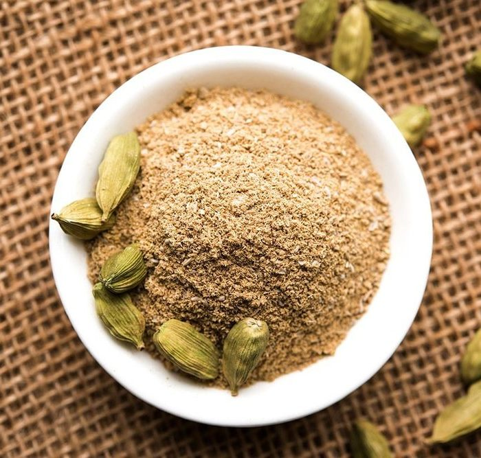 What Does Cardamom Smell Like – Also Learn How to Make Cardamom Oil!